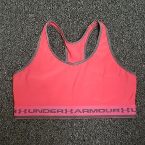 ⚡Gently used Under Armour shorts bra size L